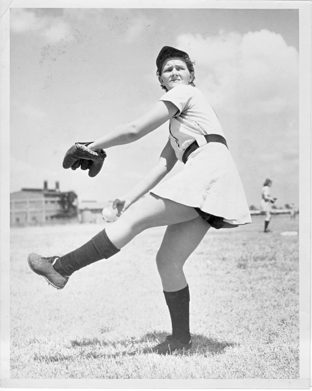 Mildred Earp pitcher